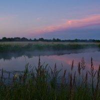 Рассвет над озером. :: Виктор Евстратов