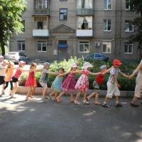 А для разминки - хоровод! :: Наталья Тимошенко