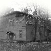 Прощание со старым домом... :: Tatiana Markova