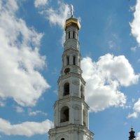 Церковь Усекновения Главы Иоанна Предтечи в колокольне :: Александр Качалин