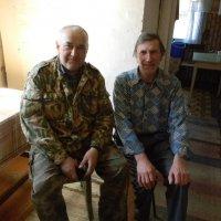 Охотники в деревне :: Олег Романенко