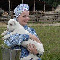 Девушка с козликом :: Олег Романенко