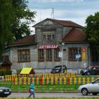 Бывший  Дом купца-виноторговца Дубинина в  Суздале :: Galina Leskova