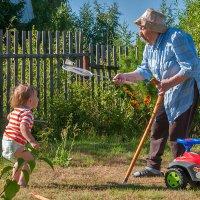 бадминтон с прабабушкой :: Galina