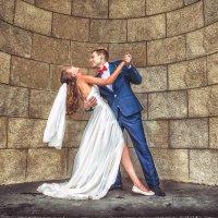 Свадебный танец в дождливый день :: Творческая группа КИВИ