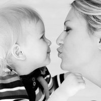Мамин поцелуй :: Galina Tuchina