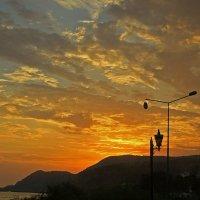 Фонари на закате :: Alexander Andronik