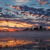 Рассветная озёрно-облачная... :: Roman Lunin