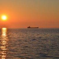 Рассвет на озере Донузлав :: Ольга Голубева
