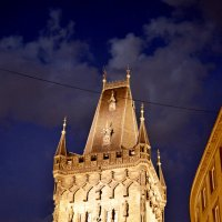Ночь здание в Праге :: Александр Максименко