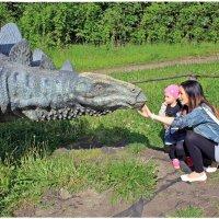 У стегозаврика милая улыбка, правда? :: Dana Spissiak