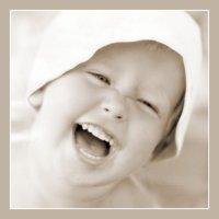 Смешливая малышка :: Валерий Талашов