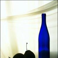 Синяя  бутылка и груши :: Валерия  Полещикова