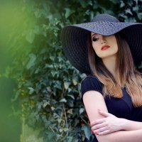 Девушка в черном :: Наталия Чмиревская