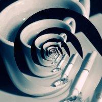 Кофе и сигарета :: Владимир Ноздрачев