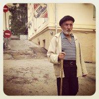Старик на улице :: Sofia Rakitskaia