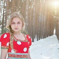 девушка в лесу :: Николай Шлыков