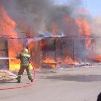 Пожар на рынке :: Юрий Федоров