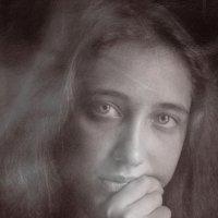Сумрачный портрет Т. :: Михаил Светличный