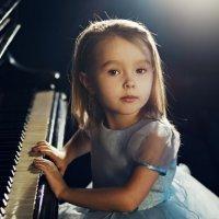 За роялем :: Елена Ященко