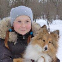 Портреты. Девочка и собака (Великие Луки) :: Владимир Павлов