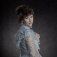 Дама в голубом :: Сергей Коновалов