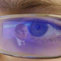 Отражение власти в глазах гражданина :: Сергей Венявский
