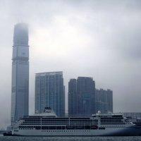 Гонконг в тумане-2 :: михаил кибирев
