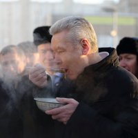 Мэр и солдатская каша :: Максим Бочков