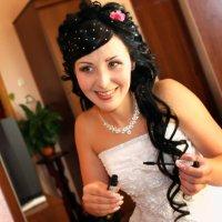 Одевание невесты :: Наталия Белогур