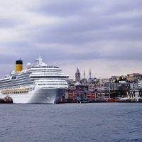 В порту Стамбула-2 :: михаил кибирев