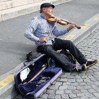 Виктор Пузырёв - Парижский музыкант