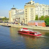 Знаменитый дом на набережной :: Ирина Князева
