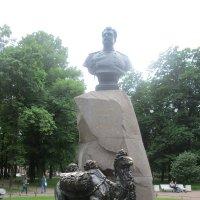 Памятник Пржевальскому :: Самохвалова Зинаида