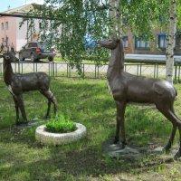 Сквер  с  оленями . Сосногорск , республика  Коми . :: Алексей Рыбаков