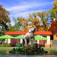 Мальчик со слоном :: Роман Величко