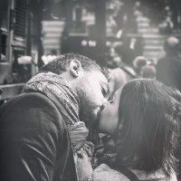 поцелуй :: Vladimir Zhavoronkov