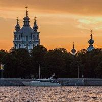 Вечером на набережной :: Вадим Мирзиянов