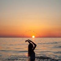Закат и русалка :: Виктория Андреева