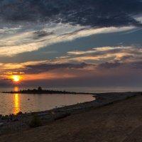 Прощание Солнца с Байкалом :: Дмитрий Чемезов