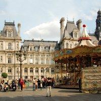 Старинная уличная карусель в Париже :: Сергей Лошкарёв