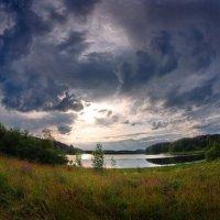 Вид на Ильинское озеро :: Валерий Талашов