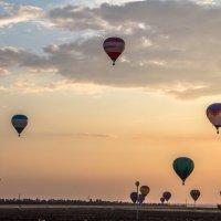 Воздушные шары на закате :: Станислав Пересыпкин