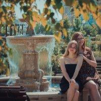 Две подружки-хохотушки :: Юля Городнова