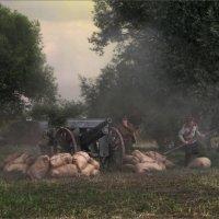 Русский артиллерийский расчет во время газовой атаки немцев :: Виктор Перякин