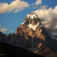 УШБА - коварная красавица Кавказа - 4700 м. :: Malkhaz Gelashvili