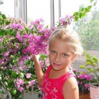 внучка и бугенвиллея :: валерий капельян