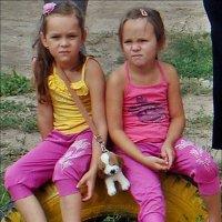 Сестрички не в настроении :: Нина Корешкова