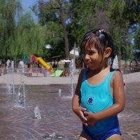 Одно спасение от жары.. :: Maria Malysheva Ortiz