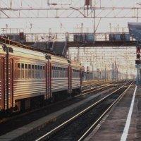 Первая воскресная электричка. Железная дорога-18. :: Фотогруппа Весна.